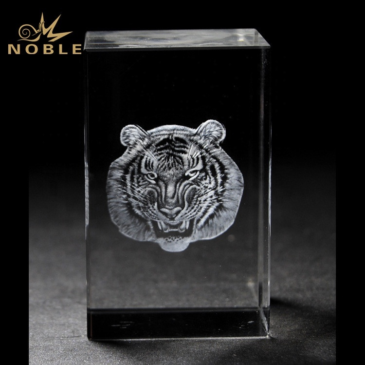 3D Laser Engraved Tiger Animal Crystal Cube Trophy Awards
