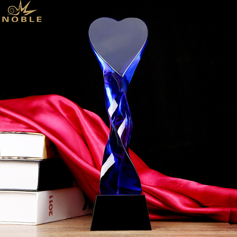 Best Selling Custom Engraving Blue Crystal Heart Award Trophy