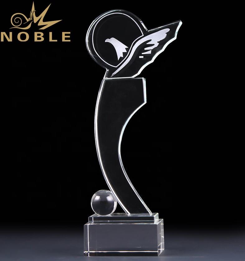 Noble New Design Free Engraving Custom Bird Crystal Trophy