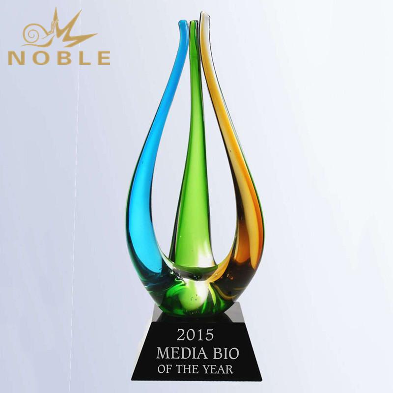 New Design Best Selling Custom Color Hand Blown Art Glass Trophy