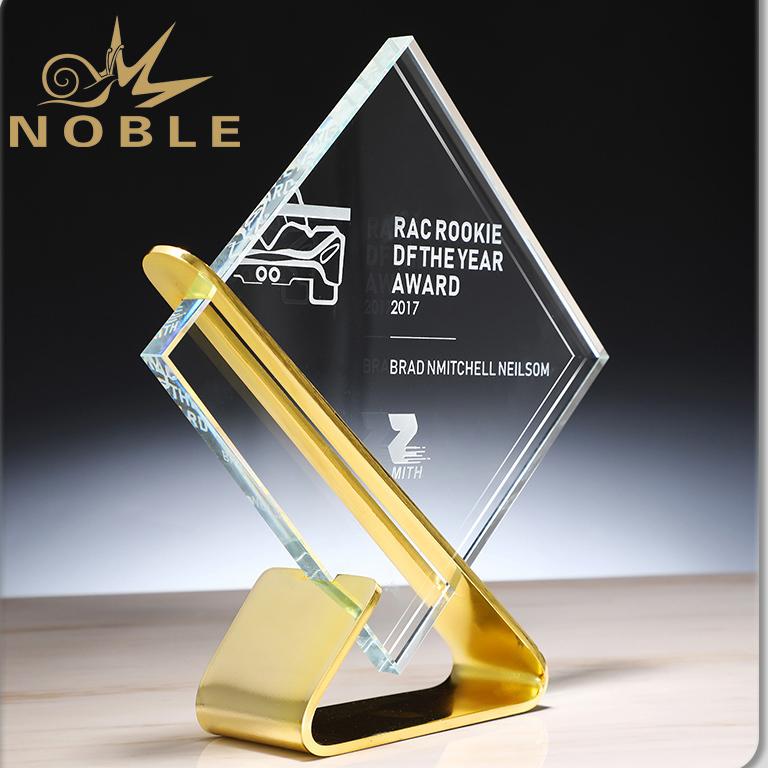 Noble New Design Free Mold Metal Base Custom Glass Trophy