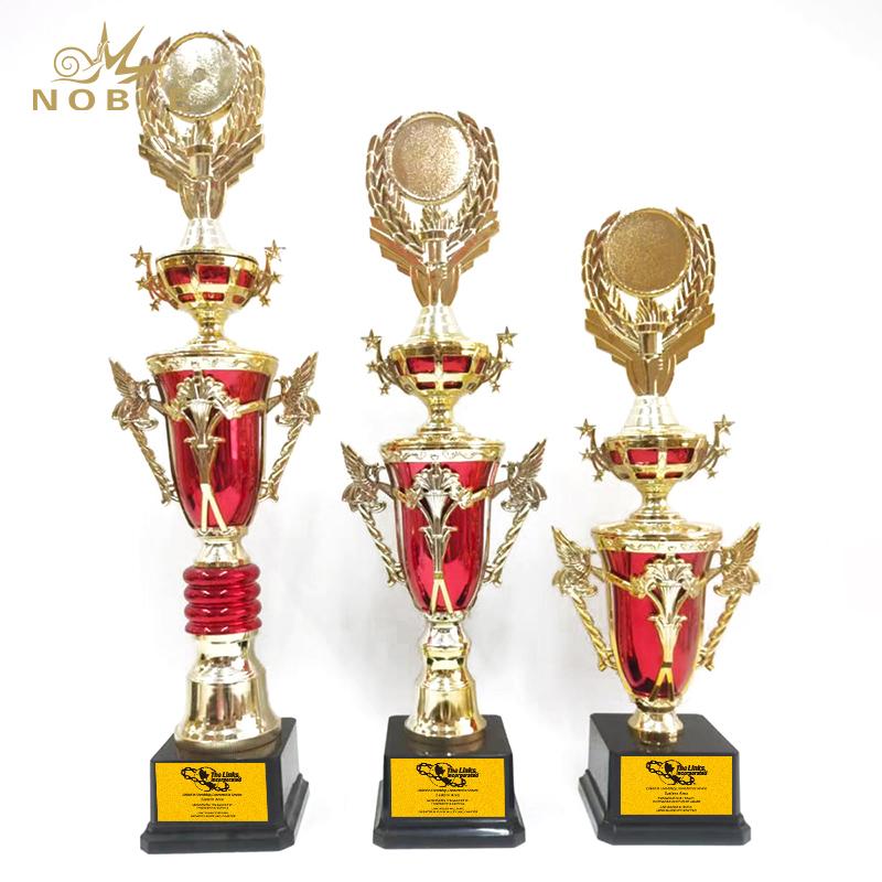 China Custom High Quality New Distinctive Design Trophy Metal Cup Award Champion Trophies