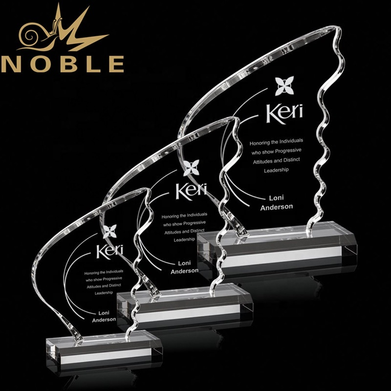 Excellent Unique new design high quality winged shape custom crystal trophy award